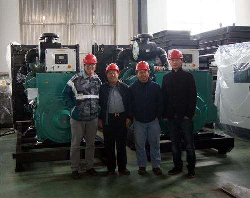 新几内亚客户来厂验收800KW康明斯柴油发电机组